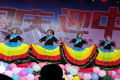 贵州中医药职业学校-学生表演