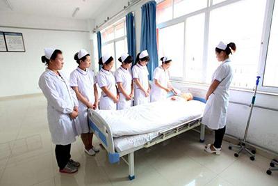 贵阳中医学院时珍学院-护理学专业老师亲自示范